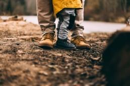 Met kind in het bos